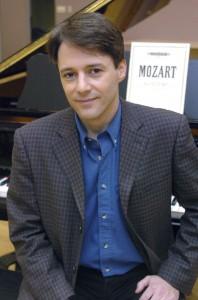 01 Roger Lord Canada Piano Chile UNAB