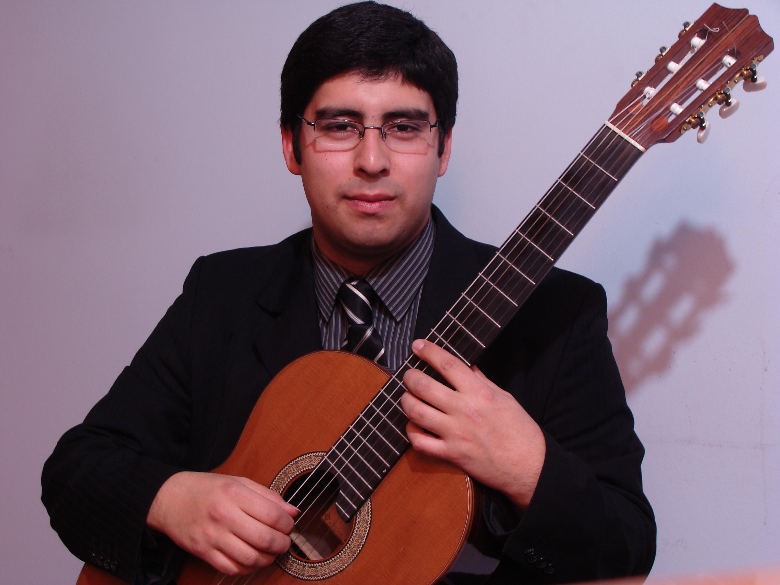 Miguel Alvarez Guitarra Cultura UNAB
