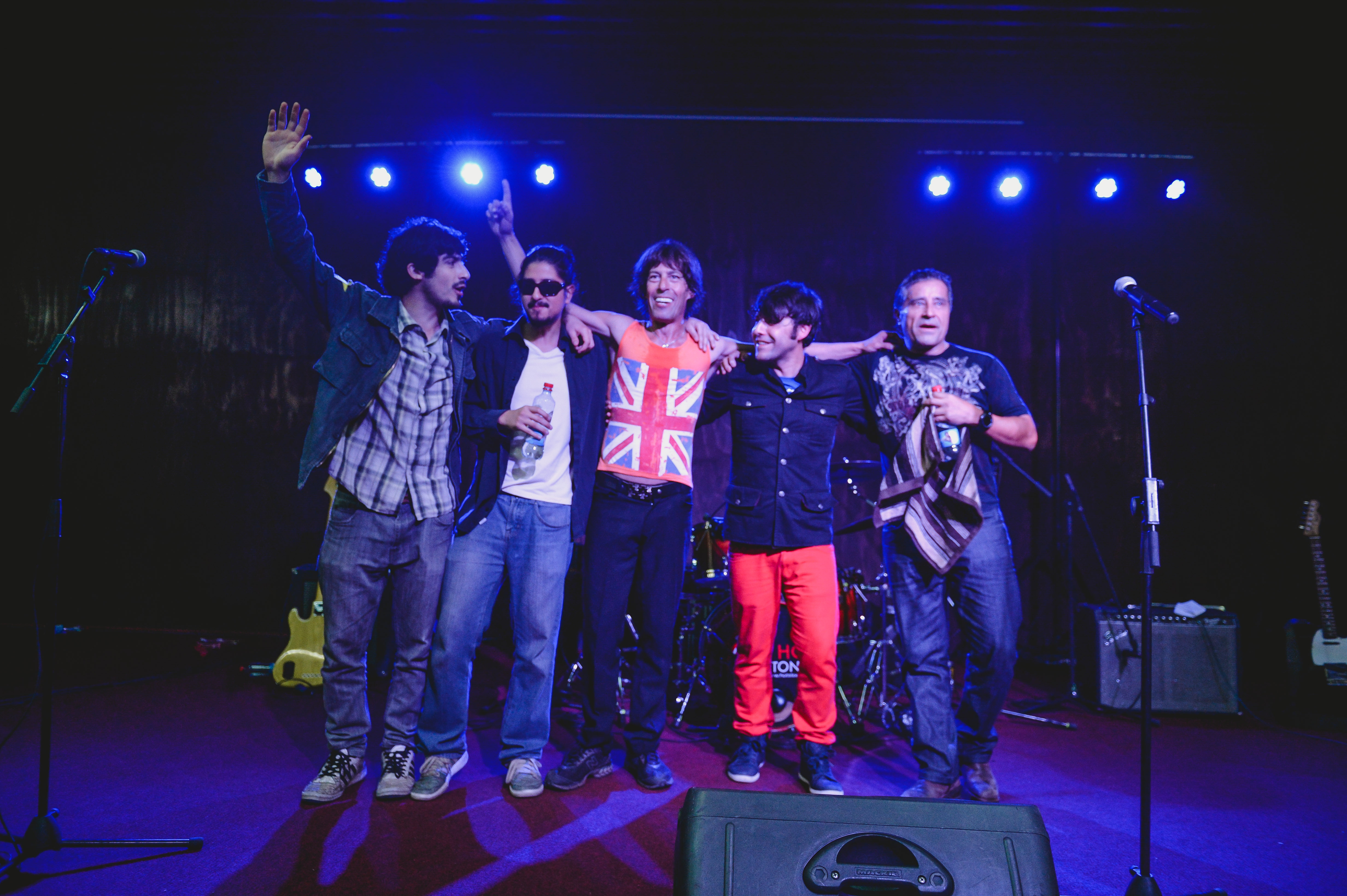 """""""Hot Stones"""" hizo bailar al ritmo de Mick Jagger a la UNAB en Concepción"""