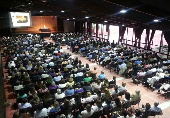 Publico asistente a los Encuentros Culturales de la U. Andrés Bello