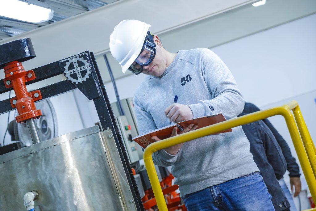 Práctica Ingeniería Civil en Metalurgia UNAB